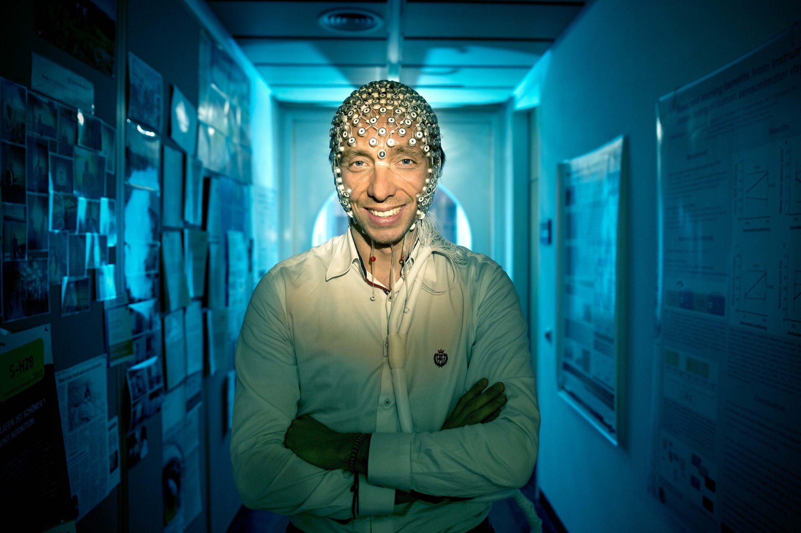 Porträt Manuel Schabus im Centre for Cognitive Neuroscience Salzburg